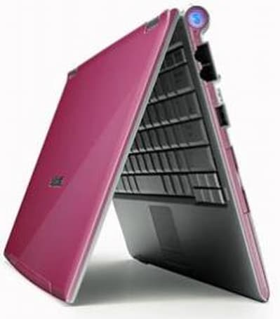 Samsung's ultraportable Q40 is pretty in pink