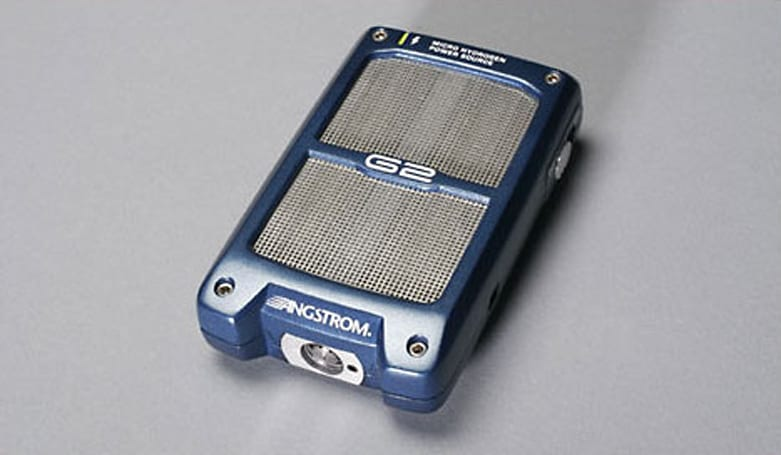 Angstrom Power shows off G2 portable fuel cell power source