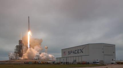SpaceX 首度由 LC-39A 發射台發射 Falcon 9 火箭