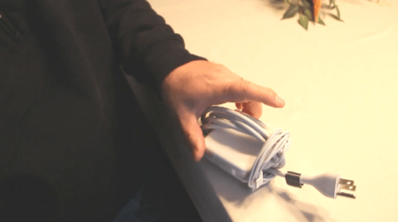 """TUAW video tip: How to """"double-wrap"""" your MacBook power adapter (updated)"""