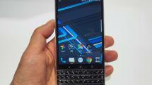 動画:物理QWERTYキー搭載の新BlackBerryをTCL担当者がチラ見せ。正式発表は2月のMWC:CES 2017