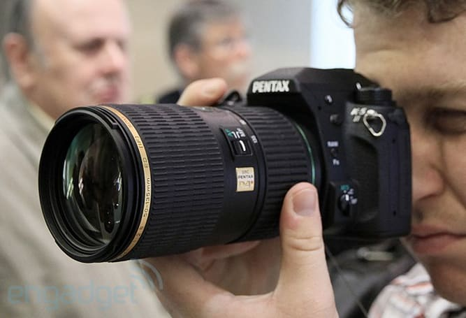 Pentax K-5 II and K-5 IIs hands-on (video)