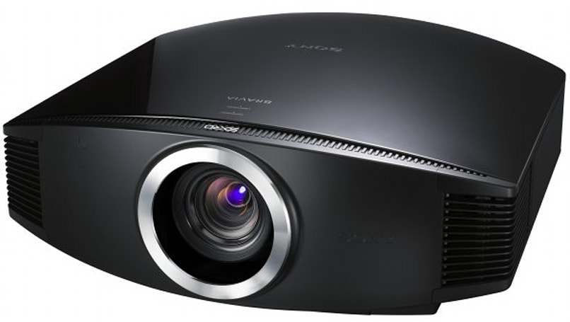 Sony brings projectors for everyone with VPL-VW85 & VPL-HW15
