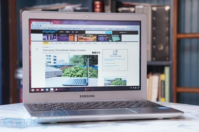 Google Chromebooks bring the cloud to the plane with 12 free Gogo sessions