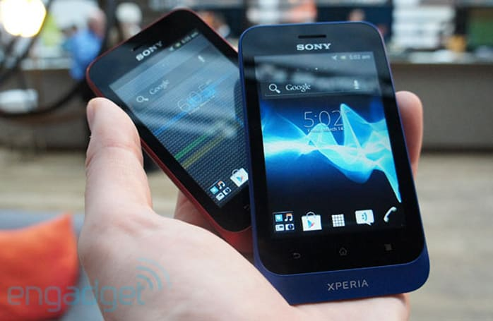 Sony Xperia miro and Xperia tipo hands-on (video)