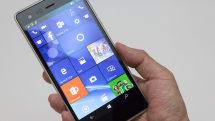 VAIO Phone Biz開封の儀。この端末の魅力を最大限引き出すにはOSとアプリの成熟が不可欠