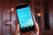 Google Nexus 4 hands-on (video)