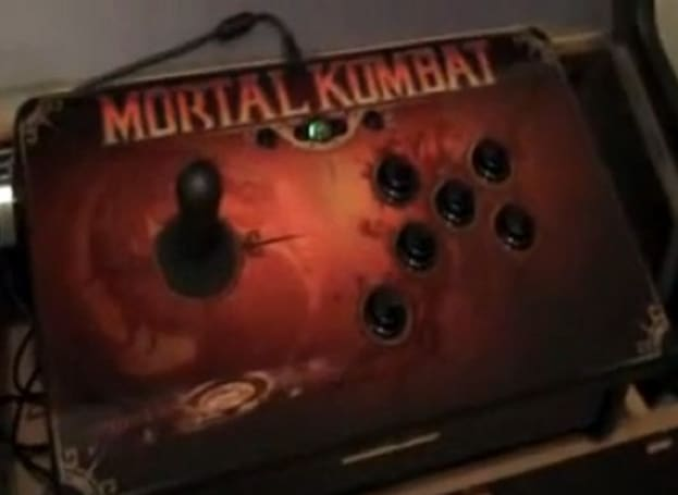 Man upgrades Mortal Kombat 3 cabinet with Xbox 360, PDP sticks