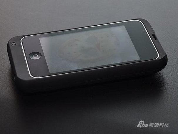 tPhone competes with Apple Peel 520, turns your iPod Touch into a chubby phone