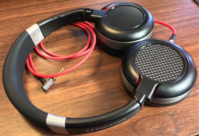 The Phiaton Fusion MS 430 headphones are great for the traveling music lover