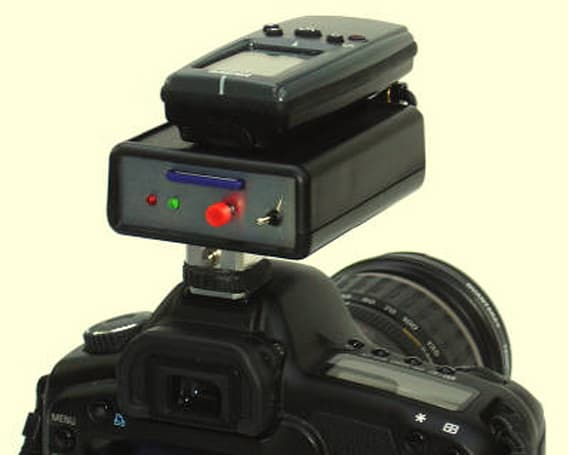Jelbert GeoTagger adds GPS tracking to cameras