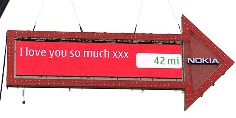 Nokia mounts huge Ovi Maps signpost on a crane in London (video)