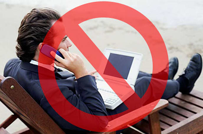 Island resort bans gadgets from beach