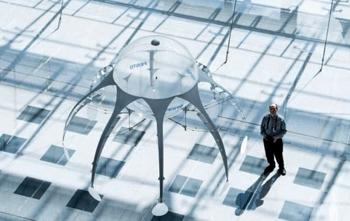 Festo AirJelly flies through the air with the greatest of ease