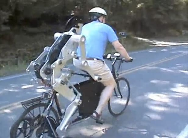 Video: Joules robot rides shotgun, helps pedal on two-person bicycle