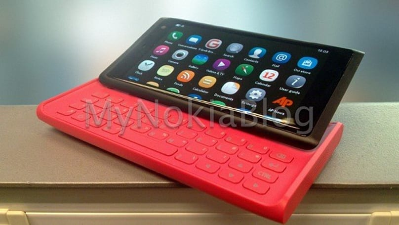 Unreleased Nokia Lauta QWERTY slider emerges, shows where MeeGo might have tread