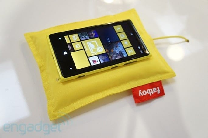 Nokia adds Qi wireless charging tech to new Lumia phones, we go hands-on