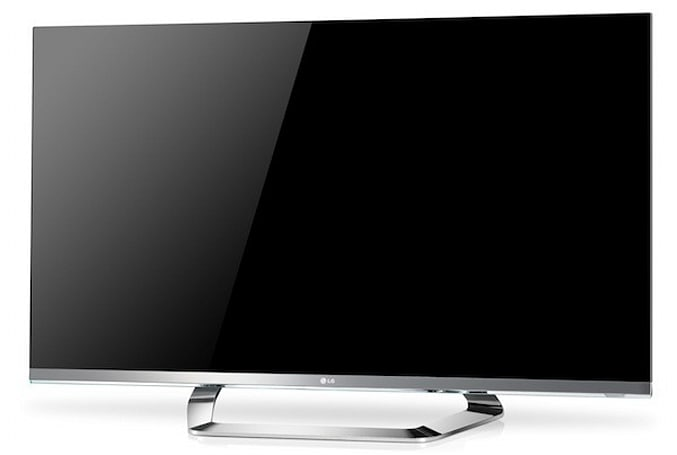 LG Cinema Screen LCD HDTVs slice bezel to 1mm, let two players share one TV