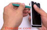 Motorola Droid RAZR M torn down to its bare Kevlar essentials (video)