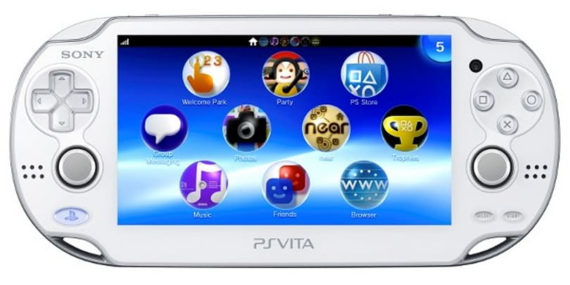 Crystal White PS Vita landing in Hong Kong June 28th, overpriced import shops two days later
