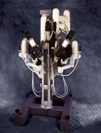 Researchers add eye control to Da Vinci robosurgeon