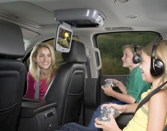 Audiovox integrates PlayStation 2 into rear-seat entertainment system