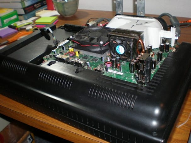 Microvision 360 hack slaps an Xbox on the back of an old TV for no good reason