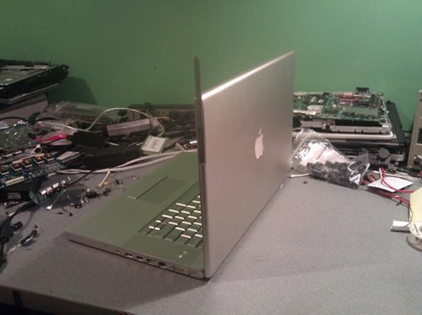 Prototype MacBook Pro repair parts returned to owner, 3G antenna stays in Cook's kitchen
