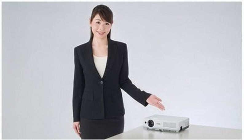 """Sanyo's LP-XW60 LCD projector claims be to industry's """"smallest and lightest"""""""