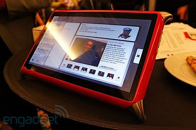 QOOQ tablet gets a dual-core bilingual upgrade: We get our chef on (video)