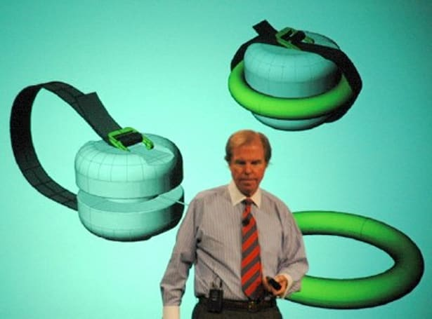 Negroponte announces OLPC for eBay, shows off pull-string