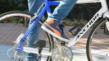 スマホも充電できる自転車用USB発電機がサンコーから。ペダルを漕ぐだけで発電、出力は5V/500mA