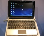 Asus's Eee PC 1000HE pulls the shift key in from right field