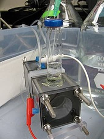 Microbial fuel cell produces hydrogen from wastewater without wasting energy