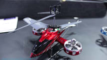 Force Flyer accelerometer-controlled RC helicopter, we go gloves-on (video)