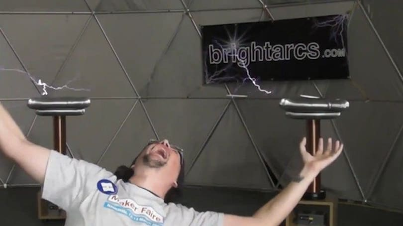 Kinect hacked to control Tesla coils from a safe distance (video)