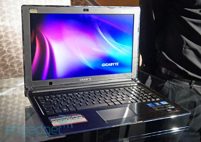 Gigabyte P2542G gaming laptop hands-on (video)