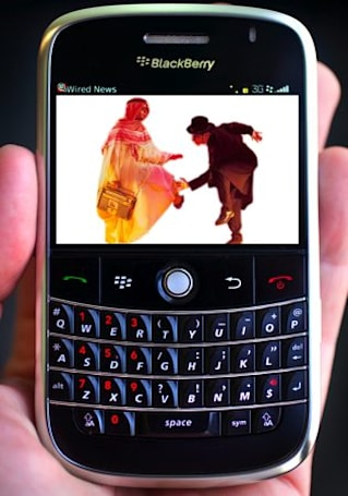 India's desire to snoop on BlackBerry users continues unabated, UAE wants in on the act