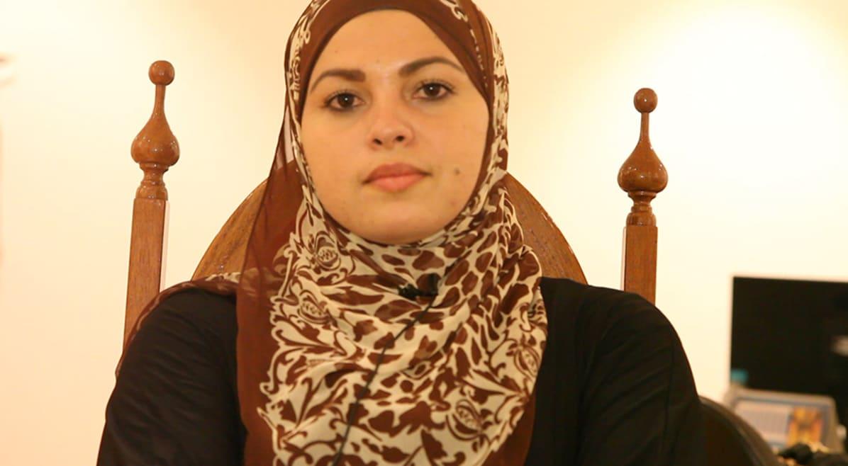 Muçulmana quebra ciclo de xenofobia após preconceito