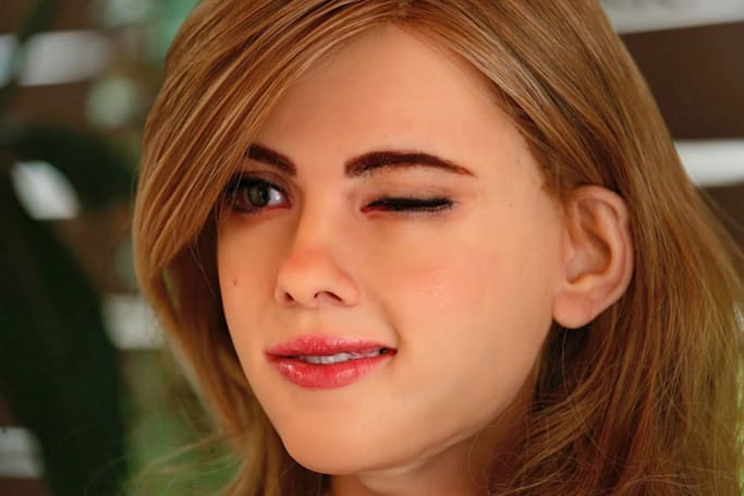 Inventor builds super creepy 'Scarlett Johansson' robot