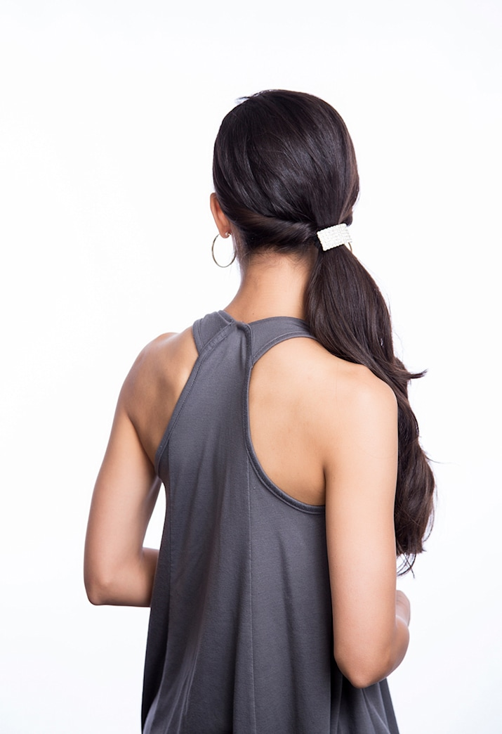 Holiday party hairstyles: The side ponytail
