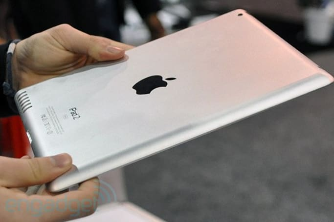 iPad 2 mockup teases 128GB storage, exhibits speaker grille we've seen before