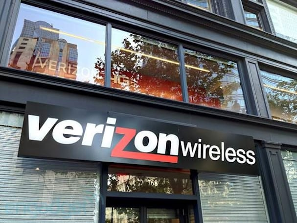 Verizon's LTE network hits 34 new markets tomorrow, set to cover over 75 percent of the US