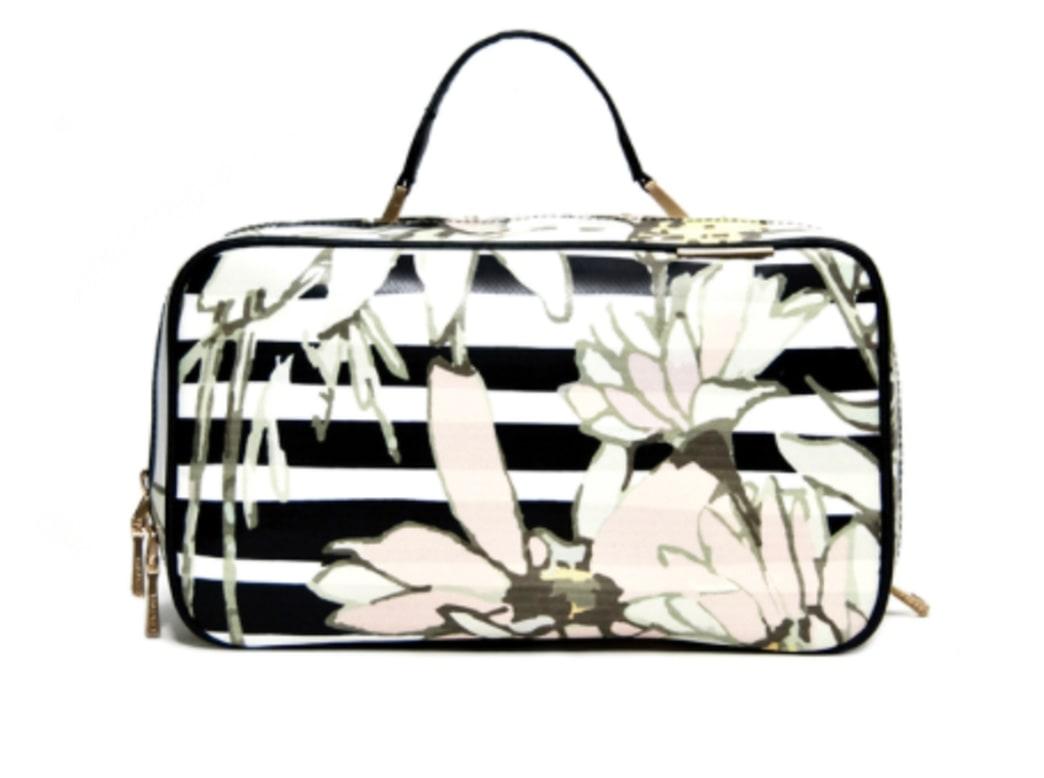 Enter to win a Kestrel Duo-Zip Beauty Case!
