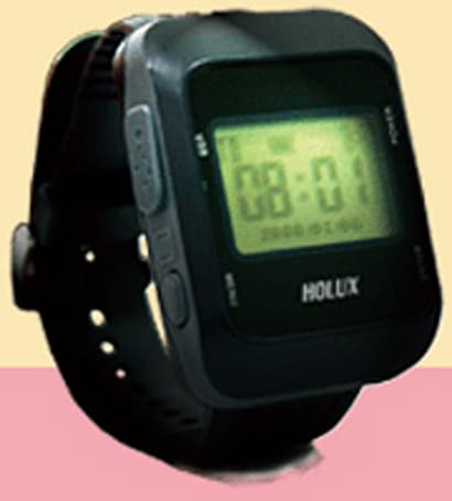 Holux GPS Tracker 005 makes your Timex sad