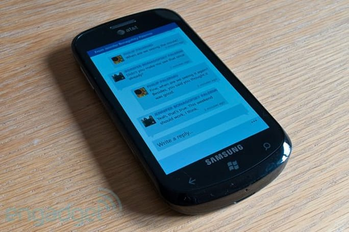 Facebook for Windows Phone rolls in threaded messaging, tagging, kitchen sink