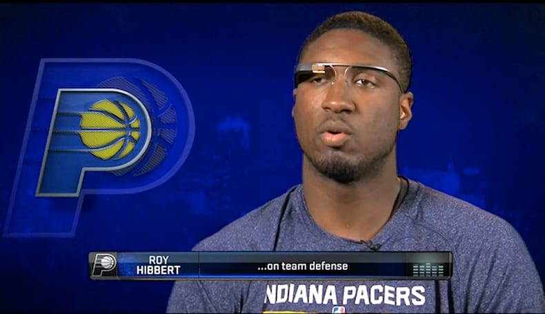 Google teaches Glass owners how to mind their manners