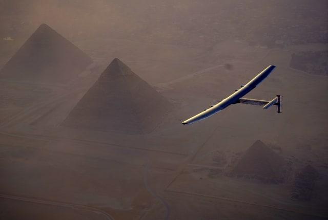 Solar Impulse 2 由開羅啟程,即將完成環遊世界的最後一段路