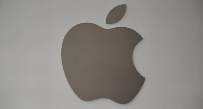 WSJ: Apple considering two iPhones with larger screen sizes and metal casings