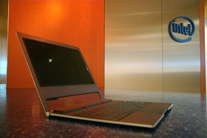 Intel boosts netbooks with dual-core Atom, slims 'em down with 'Canoe Lake'